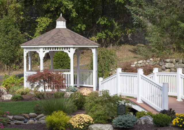 Photo Gazebo - 12 Vinyl Octagon (2)